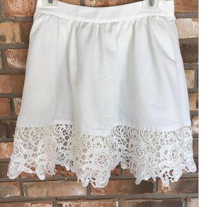 Express crochet trimmed skirt        Size 8